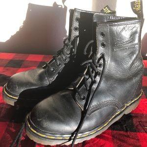 Vintage Doc Marten 8 hole combat boots!